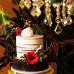 Bolo de casamento: semi naked cake com flores de açúcar. Feito por Cake Studio ( www.cakestudio.com.br | contato@cakestudio.com.br )