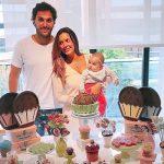 Bolo Brigadeiro Gigante para mesversário da filha de Paloma Tocci da Band feito por Cake Studio ( www.cakestudio.com.br )