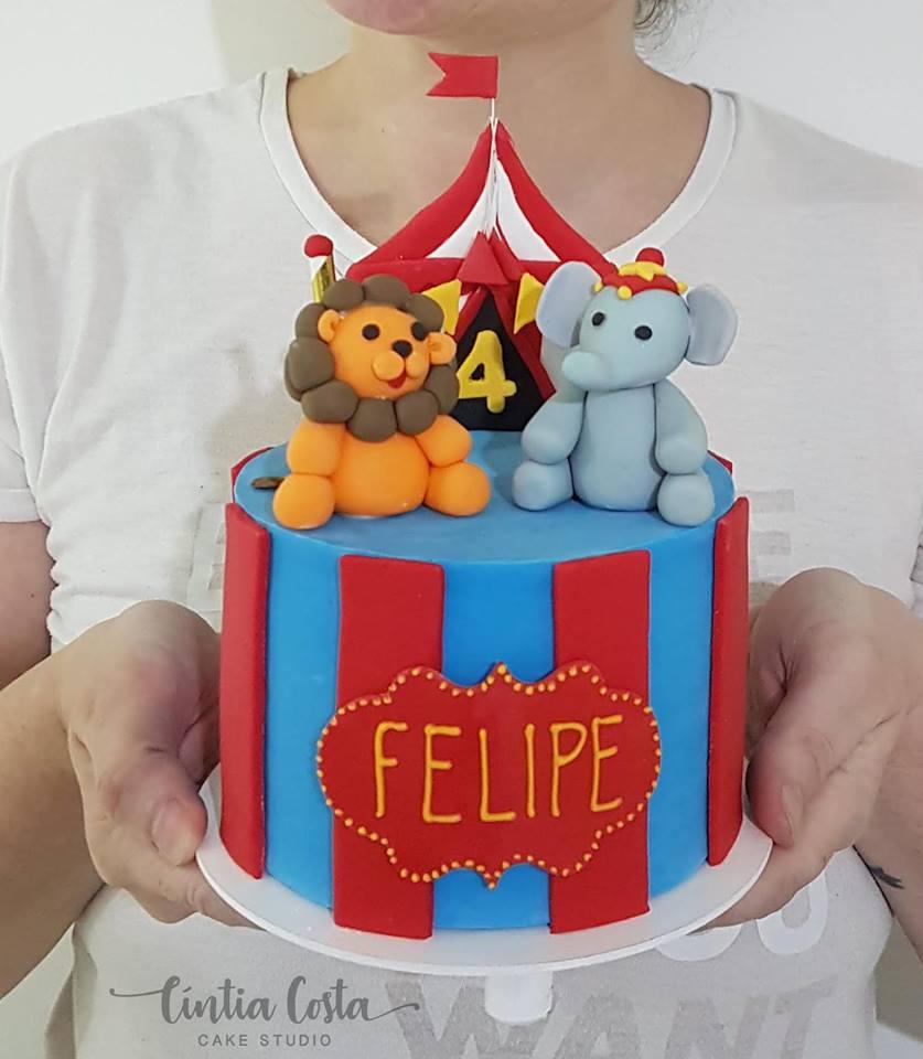 Bolo Circo Mesversário de Menino; Feito por Cake Studio ( contato@cakestudio.com.br | Whatsapp: (11) 96882-2623 )