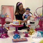 Bolo Carnaval para mesversário da filha da Paloma Tocci. Feito por Cake Studio ( contato@cakestudio.com.br | Whatsapp: (11) 96882-2623 )