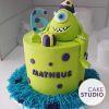 Mini bolo de mesversário tema Monstros SA com topo de bolo do Mike Wazowsky. Feito por Cake Studio ( contato@cakestudio.com.br | Whatsapp: (11) 96882-2623 )