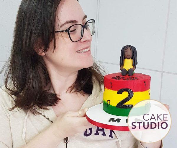 Bolo Bob Marley infantil. Feito por Cake Studio ( contato@cakestudio.com.br | Whatsapp: (11) 96882-2623 )