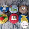 Cupcakes personalizados de A Bela e a Fera. Feito por Cake Studio ( contato@cakestudio.com.br | Whatsapp: (11) 96882-2623 )
